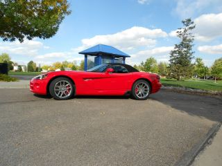 2003 Red Dodge Viper photo