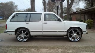 1992 Gmc Jimmy Sle Sport Utility 4 - Door 4.  3l photo
