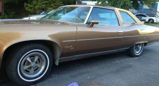 1976 Pontiac Bonneville Brougham photo