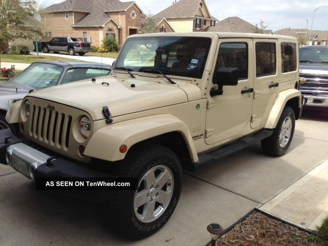 2011 jeep wrangler unlimited sahara sport utility 4 door 3 8l. Black Bedroom Furniture Sets. Home Design Ideas