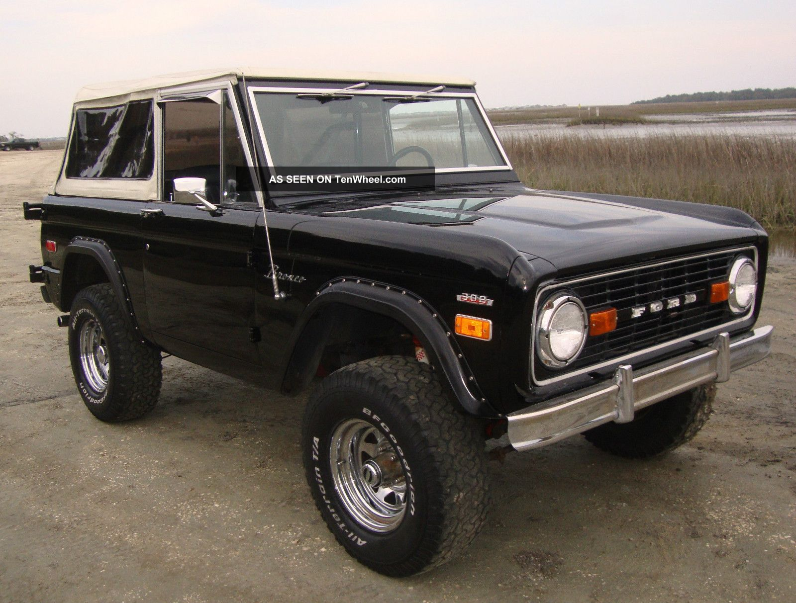 1974 ford bronco. Black Bedroom Furniture Sets. Home Design Ideas