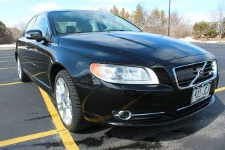 2007 Volvo S80 V8 Awd,  Htd / Ac Seats,  Blis,  Dolby,  Adaptive Cruise - Loaded photo