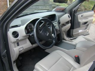 2011 Honda Pilot Ex - L Sport Utility 4 - Door 3.  5l photo