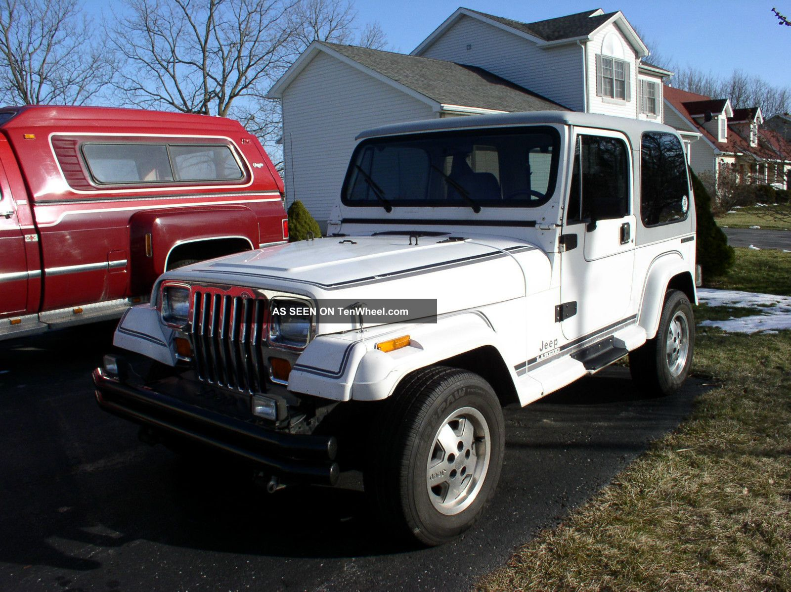 1989 Jeep Wrangler Laredo,  Loaded,  Rust,  Very.  Yj Wrangler photo