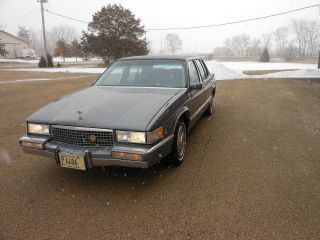 Estate Car 1989 Deville photo