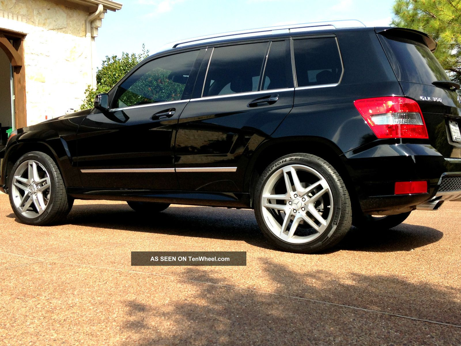2011 mercedes benz glk350 p1 package amg package 20 wheels for Mercedes benz packages
