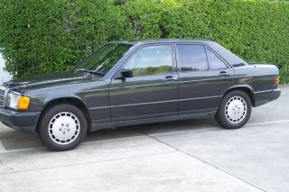 1985 Mercedes Benz 190 E,  2.  3l,  W201,  Auto.  Runs. photo