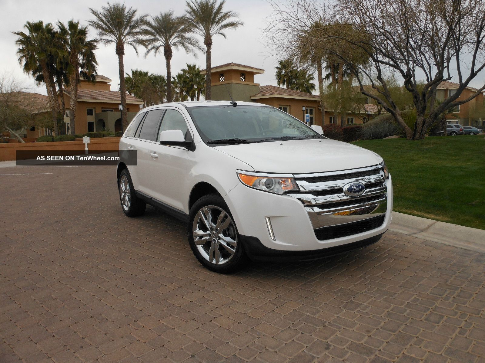 2011 Edge Limited. . . . .  Awd / / Sync Navi.  Heated. .  Chrome. . .  Rebuilt Edge photo