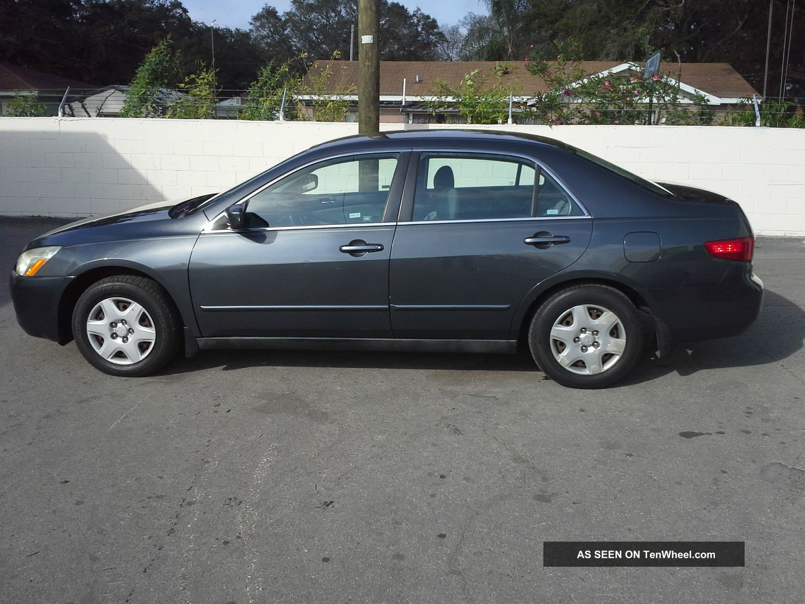 2005 honda accord lx sedan 4 door 2 4l for 09 2 door honda accord