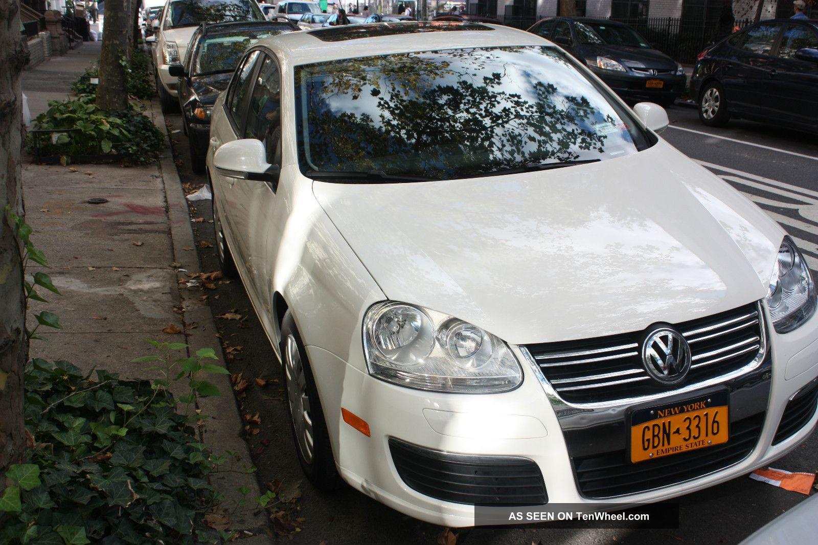 2007 Volkswagen Jetta 2.  5 Sedan 4 - Door 2.  5l Jetta photo