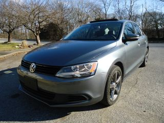 2011 Volkswagen Jetta 2.  5 Se Loaded Smooth photo