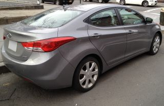 2011 Hyundai Elantra Limited Sedan 4 - Door 1.  8l photo