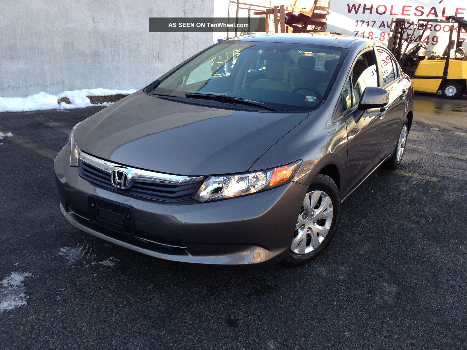 2012 honda civic lx sedan 4 door 1 8l sedan gas saver runs drives. Black Bedroom Furniture Sets. Home Design Ideas