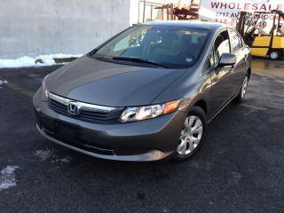 2012 Honda Civic Lx Sedan 4 - Door 1.  8l Sedan Gas Saver Runs & Drives photo