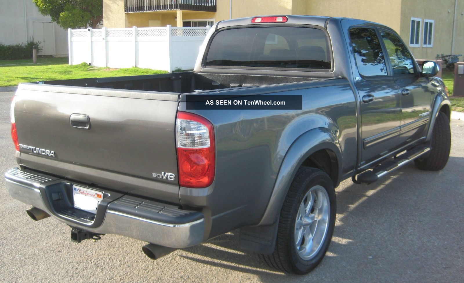 2004 toyota tundra sr5 crew cab pickup 4 door 4 7l. Black Bedroom Furniture Sets. Home Design Ideas