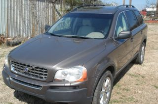 2005 Volvo Xc90 V8 Sport Utility 4 - Door 4.  4l photo