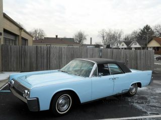 1962 Lincoln Continental Convertible - photo