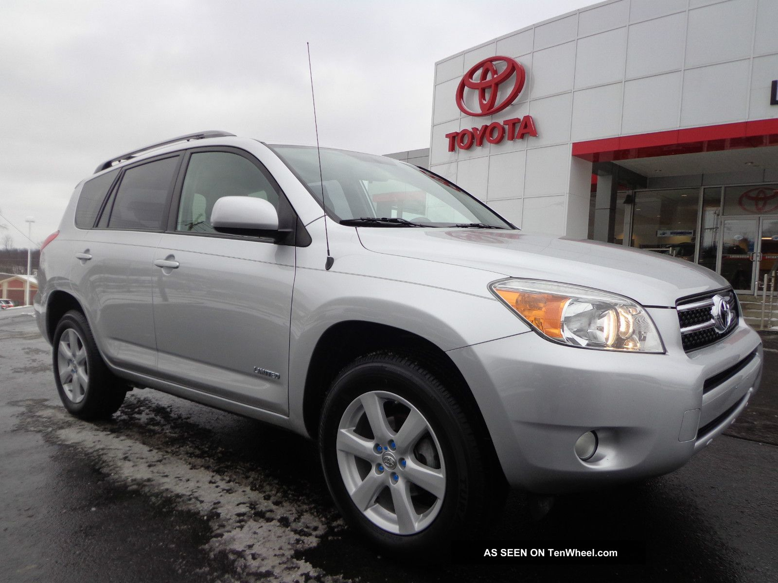 2006 Rav4 Limited Fw 2.  4l 4 Cylinder Automatic 1 - Owner Video 4x2 RAV4 photo