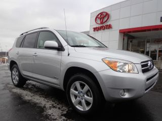 2006 Rav4 Limited Fw 2.  4l 4 Cylinder Automatic 1 - Owner Video 4x2 photo