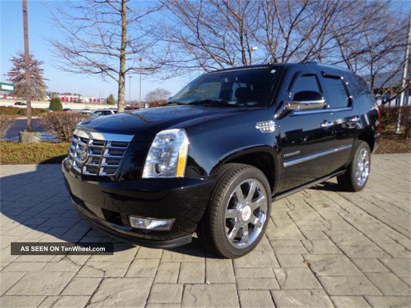2011 Cadillac Escalade Premium Sport Utility Awd 22