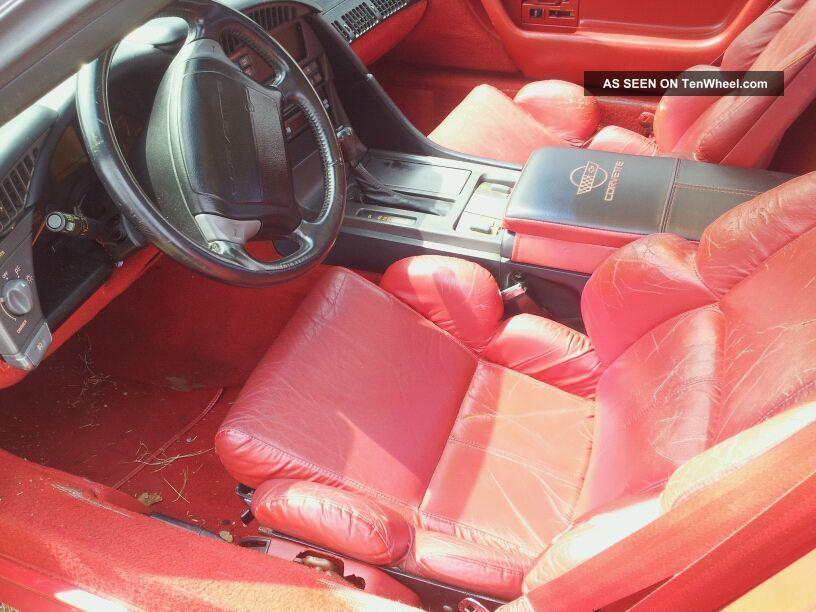 1991 Chevrolet Corvette Base Hatchback 2 - Door 5.  7l Corvette photo