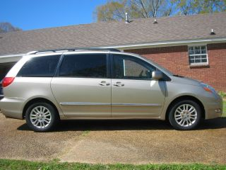 2007 Toyota Sienna Limited Mini Passenger Van 5 - Door 3.  5l photo