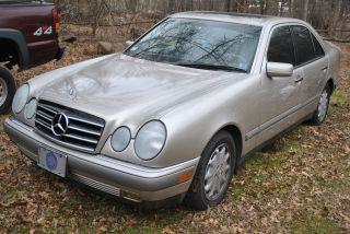 1997 Mercedes - Benz E - Class E320 / Title photo