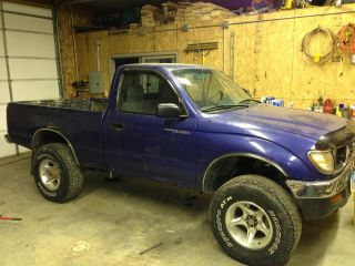 1995 Toyota Tacoma Pickup Truck 4 Wheel Drive photo