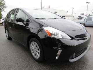 2012 Toyota Prius V Five Auto Loaded W / Navi 1owner photo