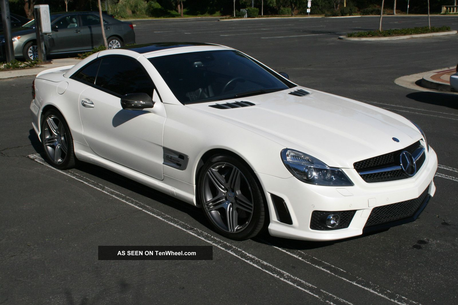 2011 Mercedes Benz Sl63,  $160k Msrp,  Diamond White W / Blk Amg SL-Class photo