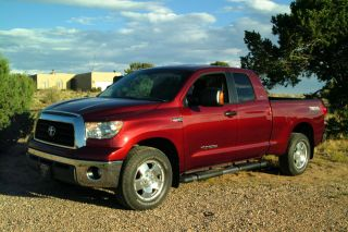 2007 Toyota Tundra Sr5 Extended Crew Cab Pickup 4 - Door 5.  7l 4x4 photo