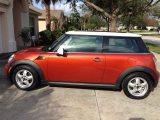 2011 Mini Cooper Base Hatchback 2 - Door 1.  6l photo