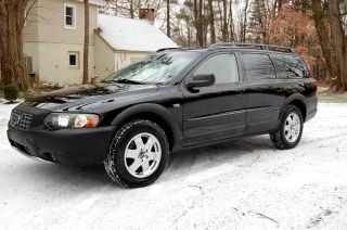Flawless,  2004 Volvo Xc - 70 Awd Wagon,  Perfect Service History,  Newbelt photo
