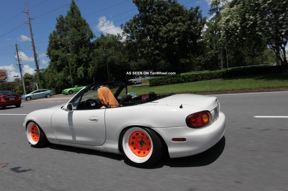 2000 Mazda Miata Ls Convertible 2 Door 1 8l Lowered Show Car