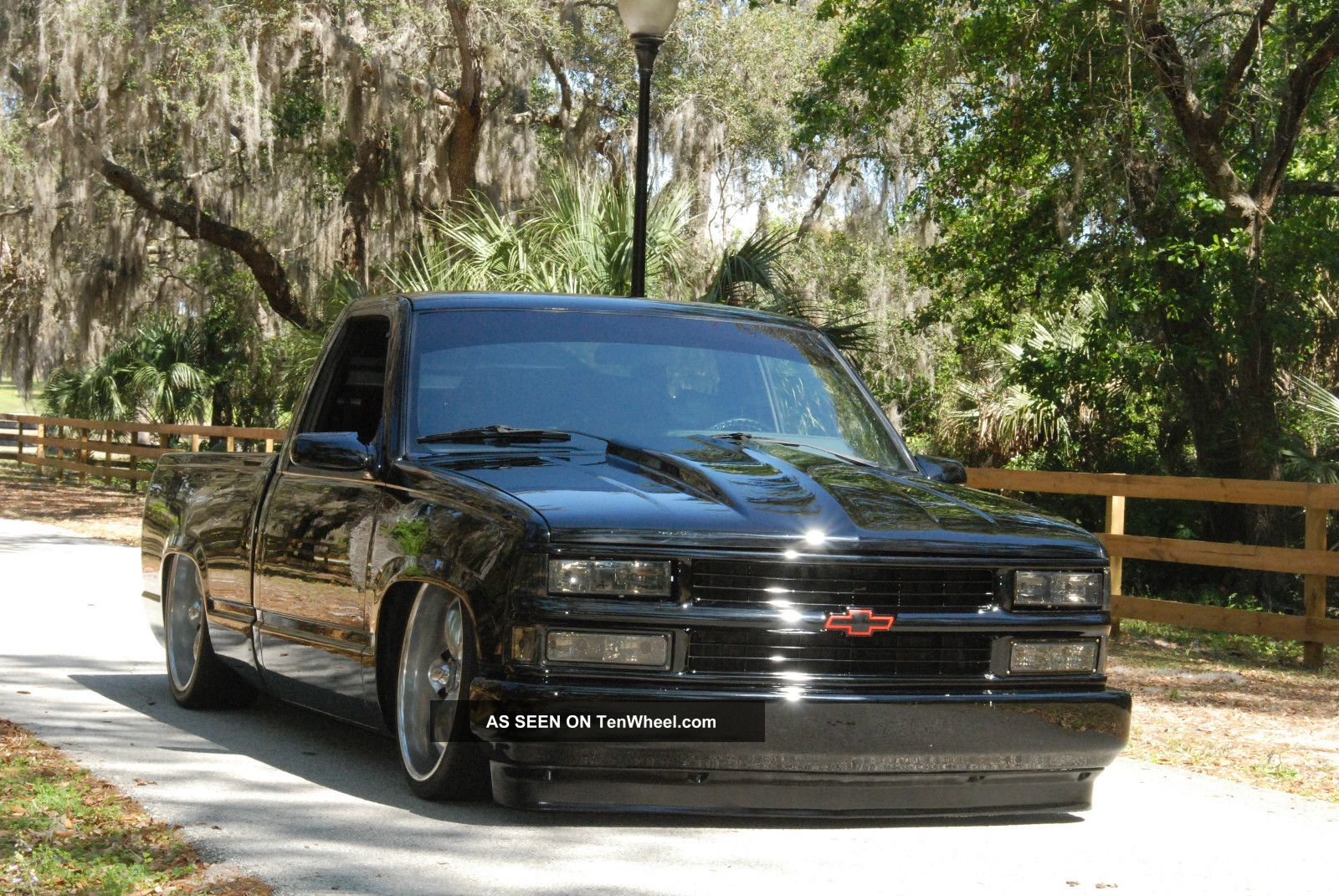 1988 Chevrolet Silverado 1500 Bagged Lowered Custom Hotrod Custom Paint C/K Pickup 1500 photo