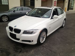 2011 Bmw 328i Xdrive Base Sedan 4 - Door 3.  0l photo
