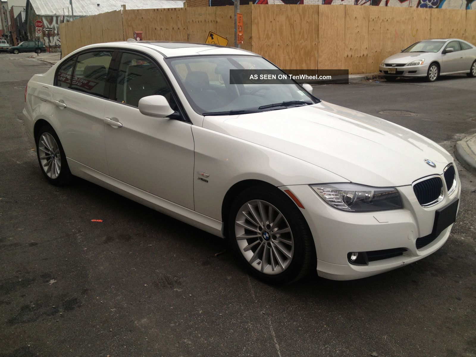 2011 bmw 328i xdrive base sedan 4 door 3 0l. Black Bedroom Furniture Sets. Home Design Ideas