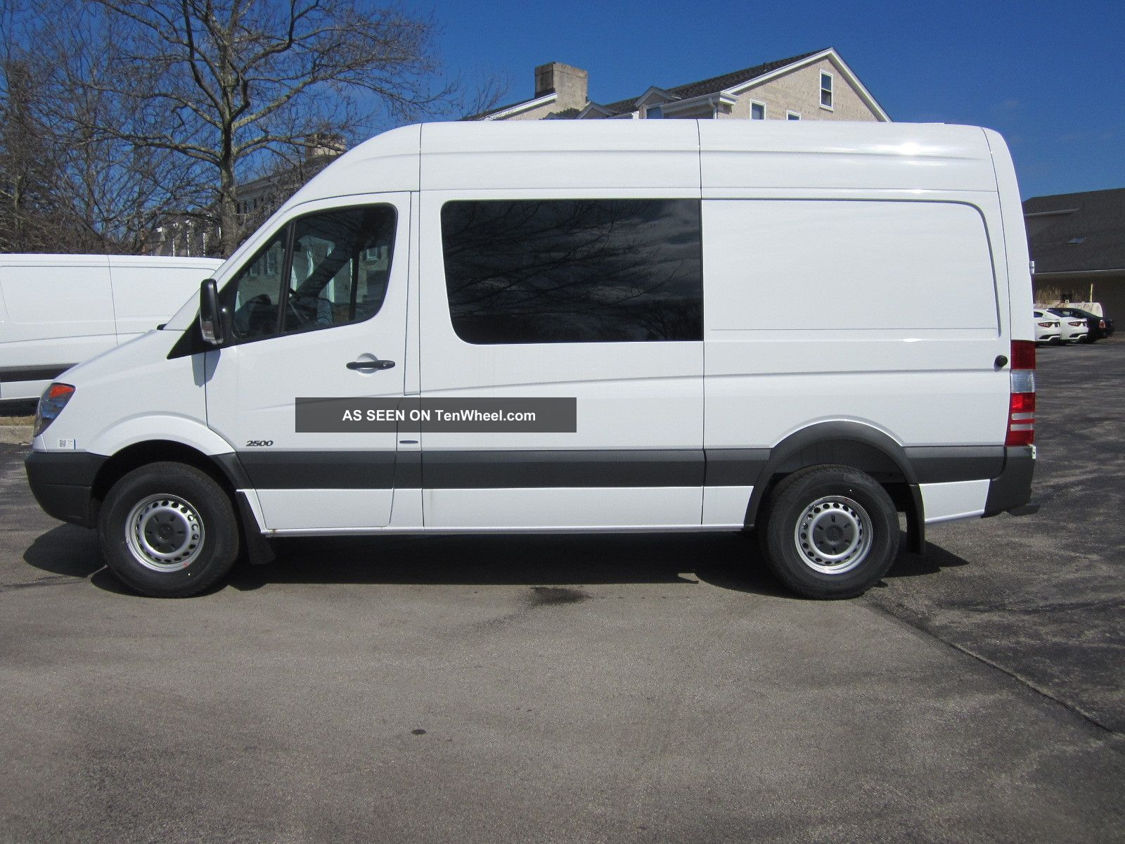 2013 mercedes benz sprinter cargo crew van 5 for Mercedes benz sprinter cargo van