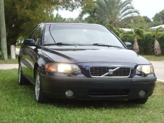 2004 Volvo S60 2.  5t Awd Sedan 4 - Door 2.  5l photo