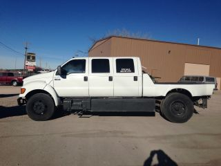 2000 Ford F650 With 6 Door Conversion photo