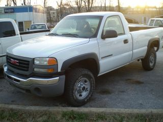 2003 Gmc 2500hd 3 / 4 Ton 4x4 6.  0 Gas A / T photo