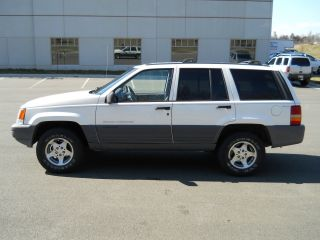 1996 Jeep Grand Cherokee 4x4 Automatic photo