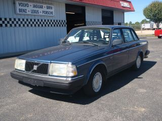 1992 Volvo 240 Gl Sedan 4 - Door 2.  3l Automatic Sun Roof photo