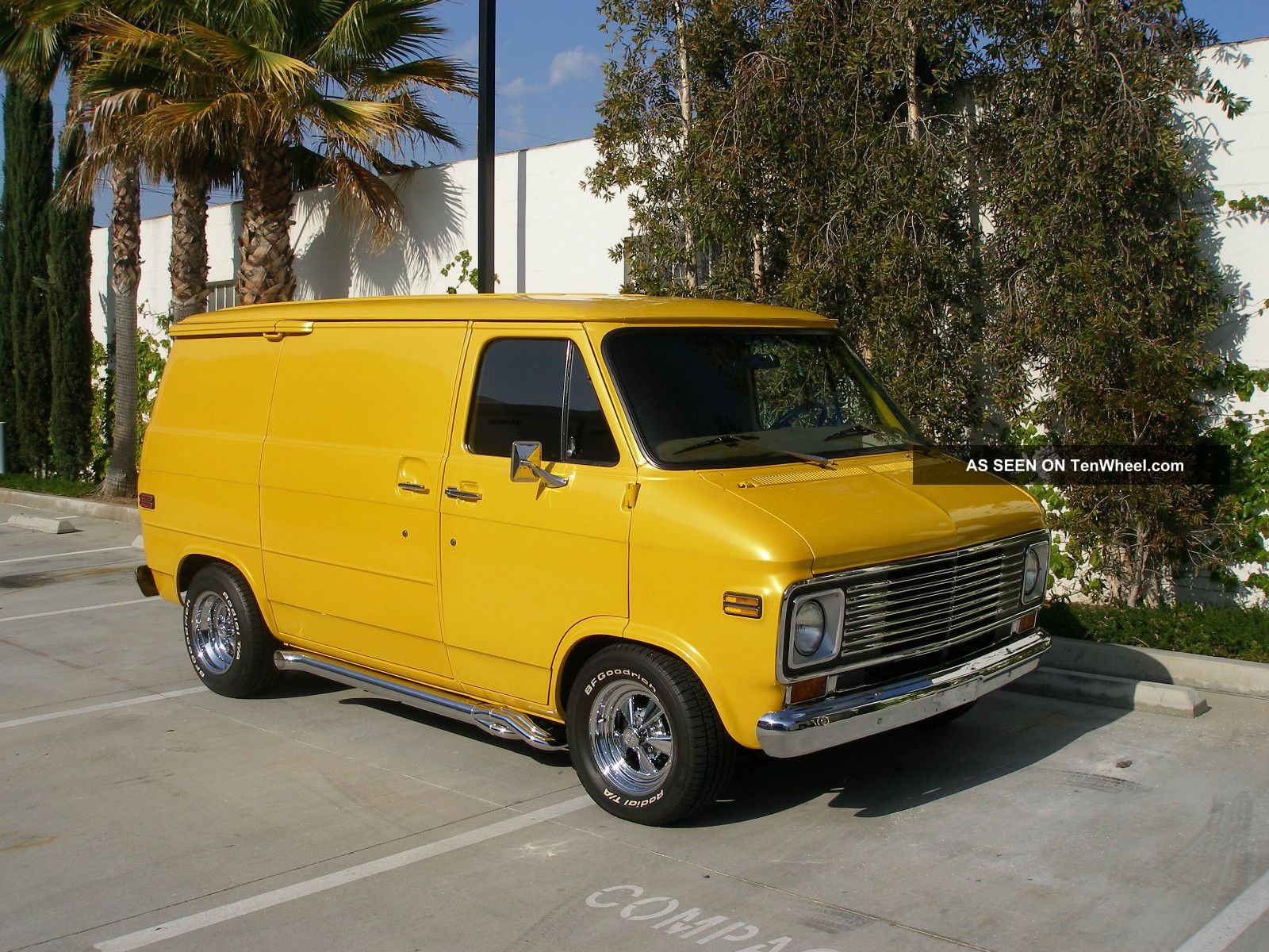 1977 Chevy Shorty Van G20 Van photo