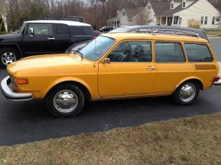 Vw 412 Vintage Wagon 1974 photo