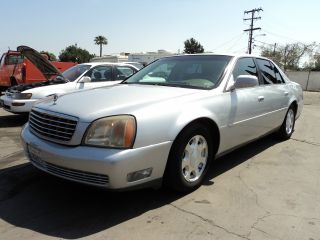 2001 Cadillac Deville Base Sedan 4 - Door 4.  6l photo