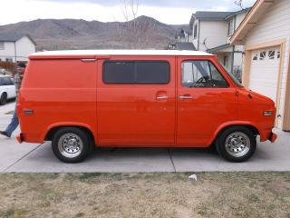 1976 Chevy G10 Van photo