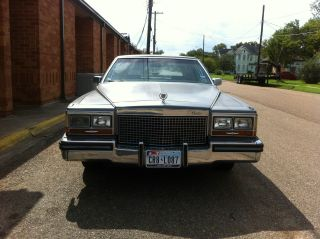 1987 Cadillac Brougham D ' Elegance photo