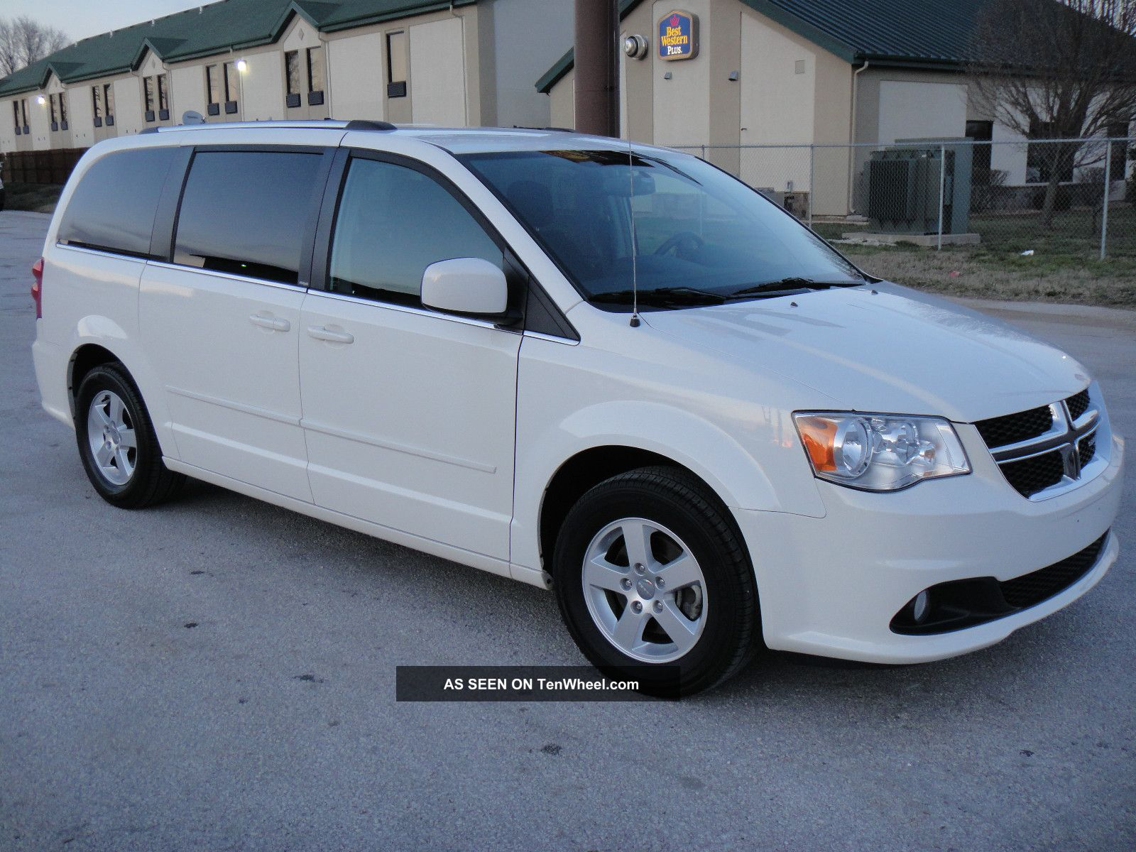 2011 Dodge Grand Caravan Crew Stow N Go Quad Seating Grand Caravan photo
