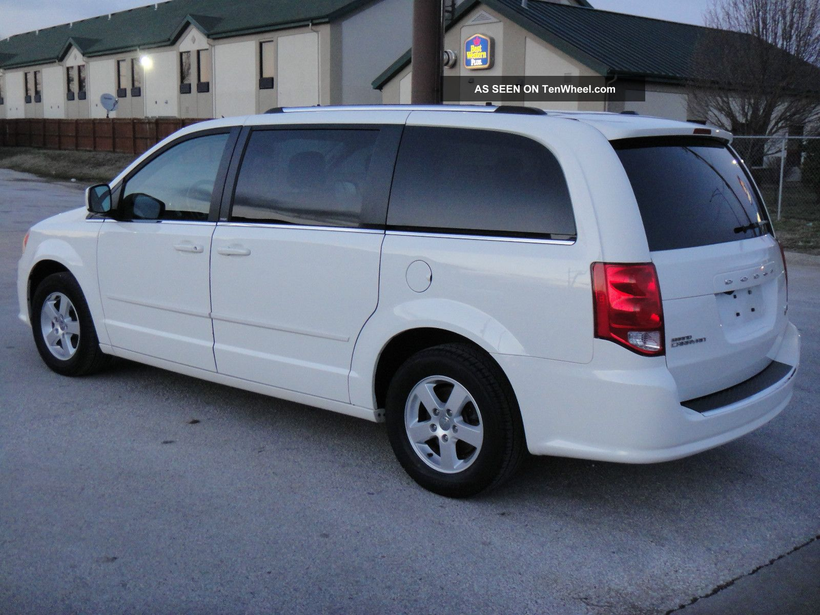 2011 dodge grand caravan crew stow n go quad seating. Black Bedroom Furniture Sets. Home Design Ideas